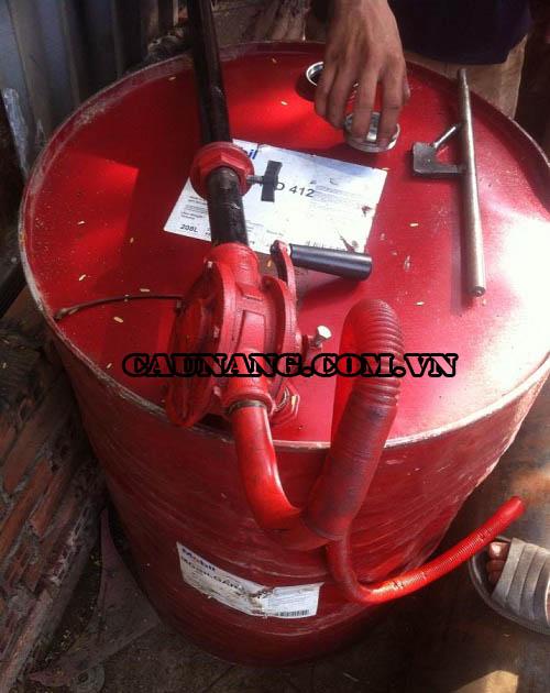 Bơm dầu cho hệ thống cầu nâng