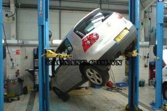 Hệ lụy của việc mua cầu nâng ô tô giá rẻ