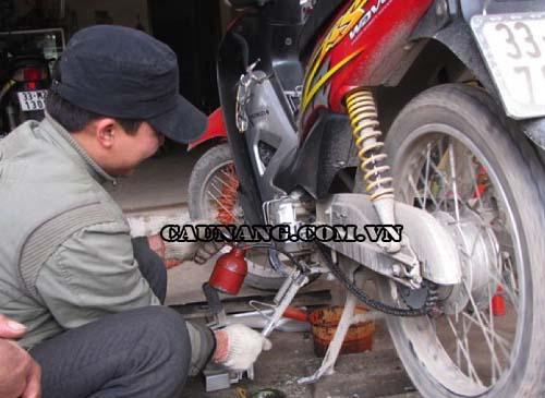 Nguyên nhân và cách khắc phục xe máy kêu lọc cọc