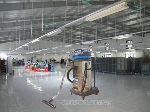 Máy hút bụi công nghiệp loại lớn được sử dụng rộng rãi ở những không gian rộng lớn